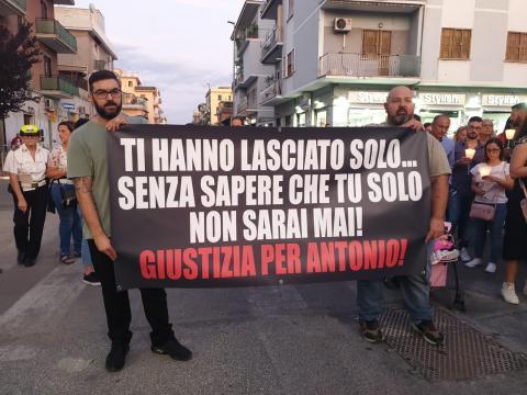 Una fiaccolata per Antonio Risi